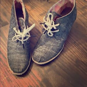 TOMS denim lace-up chambray bootie wedges  W 7.5